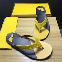 ingrosso calzature casual mens calde-Uomini caldi di vendita pantofole donna piatto lusso scivoli scarpe estive casual beach designer infradito mens infradito sandali di design taglia 38-45