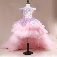 bayanlar için yüksek düşük kız elbiseleri toptan satış-Yüksek Düşük Kızlar Pageant Törenlerinde Dantel Aplike Kolsuz Çiçek Kız Elbise Düğün İçin Mor Mor Tül Kabarık Payetli Çocuk Communion Elbise