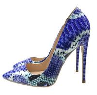spitze zehe stilettos großhandel-Neu Kommen Frauen Schuhe Blaue Schlange Gedruckt Sexy Stilettos High Heels 12 cm 10 cm 8 cm Spitze Frauen Pumps Kleid Schuhe
