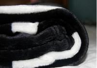 ingrosso aerei testa-New fashion squalo testa coperta getta sul divano / letto / aereo viaggi super soft tappeti plaid grande squalo coperte spedizione gratuita