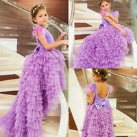 ingrosso i vestiti dalla ragazza del fiore della piuma viola-2019 Cute Flower Girl Purple Abiti Jewel Neck High Low Feather ragazze Pageant DressFloor Lunghezza primi abiti da Santa Comunione