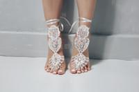 sapatos de casamento requintado venda por atacado-2020 presente Exquisite marfim Lantejoula Wedding descalços sandálias Tornozeleira dama de honra sapatos de praia de noiva Swarovski Crystal baratos em stock