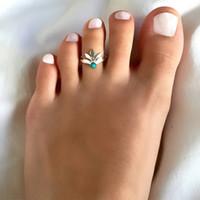 hoja de plata vintage de moda al por mayor-Vintage Blue Bead Leaf Toe Anings Mujeres Moda Joyería de Verano Al por mayor Simple Oro Plateado Brillante Abierto Ajustable Anillos de Aleación de Pie
