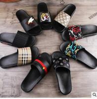 besten designer-sandalen großhandel-Männer Frauen Sandalen Designer Schuhe Luxus Rutsche Sommer Beste Mode Breite Flache Glatte Sandalen Slipper Flip Flop Größe 35-46 Blume
