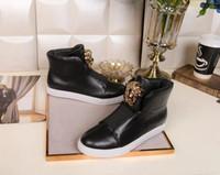 marcas de calçado superior para homem venda por atacado-Chegada nova Top Designers Homens Sapatilhas Medusa Couro Genuíno de Alta-top Clássicos de Luxo Homens Sapatos Casuais Marca Vestido Sapatos