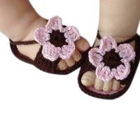 zapatos de bebé de ganchillo al por mayor-Cordón de punto de ganchillo Hebilla de la flor de la sandalia de los bebés de verano zapatos antideslizantes sandalias individuales 2019 Nuevos zapatos de los niños # YL1