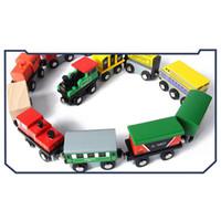 conjunto de trem magnético de madeira venda por atacado-Brinquedos duráveis seguros favoráveis ao meio ambiente da infância adiantada amigável locomotiva pequena de madeira do trem magnético