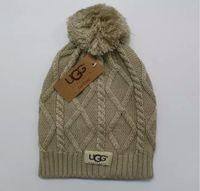 stricken häkeln hüte großhandel-2010 Strickmütze Designer U t Knit Beanie Mit Pom Crochet Wintermützen Chunky Cable Caps