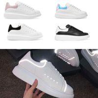 siyah deri eğitici toptan satış-20 renkler Tasarımcı Ayakkabı Platformu Sneakers Boy Sneakers siyah süet Erkekler Kadınlar için 100% Deri Beyaz eğitmenler Düz Rahat Ayakkabılar
