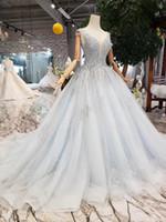 ingrosso vestito blu dall'alto del collo del bambino-2019 Luxury Baby Blue Beaded A-line abiti da sposa Dubai arabo profondo scollo av collo alto pizzo paillettes Plus Size abito da sposa
