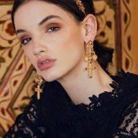 inspirierte ohrringe großhandel-Cocowillow Barock Krone Kreuz Ohrringe, Dolce inspiriert Vintage Münze Kreuz Ohrringe für Frauen, Anweisung Ohrring