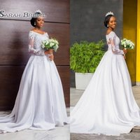 vestido modesto branco manga comprida venda por atacado-Modest Laço Branco Mangas Compridas Vestidos De Casamento Uma Linha Fora Dos Ombros 2019 Sul Africano Apliques de Trem Da Varredura Vestidos de Noiva Formal