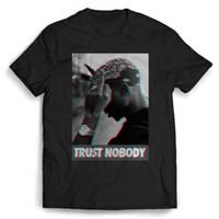 flach gestrickter baumwollstoff großhandel-Tupac 2pac Shakur Trust Niemand Hip Hop Mann / Frau T-Shirt lustig 100% Baumwolle T-Shirt