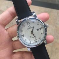 кожзаменитель оптовых-Известный бренд мода швейцарский дизайн Кожаный ремешок Алмаз аналоговый сплав Кварцевые наручные часы мужчины роскошные высокое качество дизайнер часы ретро дизайн