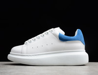 ingrosso alta qualità del progettista dei pattini-2019 Highest Quality Fashion Designer di lusso Donna Scarpe casual Vera pelle con numeri di serie Sneakers Chaussures Sports Trainers 36-46