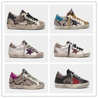 marka f toptan satış-İtalya Marka Altın Pullu Topuk Klasik Yılan Derisi Baskı Deri Ayakkabı Kazların Tasarımcı Sneakers Süperstar Erkekler / Kadınlar Spor Rahat Ayakkabılar F-012