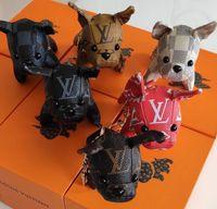 monedero llaveros al por mayor-2019 nuevo perro Llavero Monedero Bolsas colgantes Diseño del perro Cadenas de los coches Llaveros para las mujeres Regalos Mujeres acrílico Llaveros de tacón alto sin caja