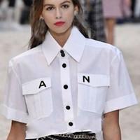 kadınlar için bluzlar toptan satış-2019 Kadınlar Için Yeni Beyaz Gömlek Turn-down Yaka Tek Göğüslü kısa Kollu Bluz Büyük Cepler Gömlek Tops Ofis Lady Workwear