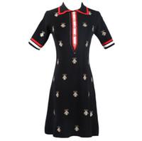 neue art sommerkleider groihandel-2019 sommer neue dress gg frauen rollkragen revers biene stickerei hohe taille mittellang schlank strick dress