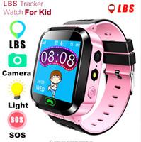 gsm sos izleyin toptan satış-Q528 Akıllı İzle Çocuklar Çocuk Kol Saati SOS GSM Bulucu Izci Anti-Kayıp Güvenli Smartwatch iOS Android için Çocuk Guard