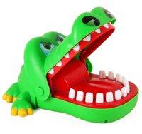 lustige streichspiele großhandel-China Factory Versorgung lustigen Plastik Familie Krokodil Zahnarzt-Spiel für Kinder Eltern-Kind-Interaktion Streiche Spielzeug-freies Verschiffen