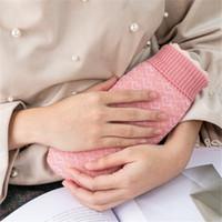 el çantası örtüleri toptan satış-Hediye Kutusu Kapaklı Örme Kapak Pocket El Isıtıcı ile Yaratıcı Silikon Mikrodalga Isıtma Kış Sıcak Sıcak Su Şişesi Taşınabilir Su Çanta