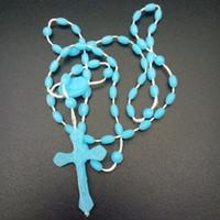 plastikperlenketten großhandel-Hot Luminous Cross Halskette Glow In Dark Kunststoff Rosenkranz Leuchtende Nachtleuchtende Halskette Mode Religiöse Schmuck Party Beste Geschenk M470A