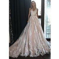 кружева свадебное платье часовня поезд лента оптовых-Элегантное свадебное платье с V-образным вырезом без рукавов и кружевными лентами Аппликации в стиле кантри Свадебное платье с скользящим шлейфом