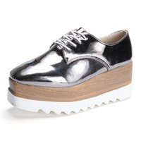 patent brogue ayakkabıları toptan satış-2017 Yeni varış Bahar Sonbahar Kadın Brogues Creepers Platformu Ayakkabı Kadınlar Sivri Burun Oxfords Patent Deri Ayakkabı