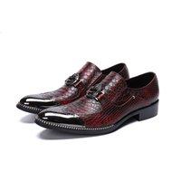 piel genuina al por mayor-Moda patrón de piel de serpiente de cuero genuino de los hombres zapatos Bullock tallados hombres zapatos de vestir zapatos de negocios de oficina