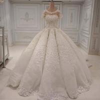 vestidos curtos de vestidos de casamento venda por atacado-Designer de vestidos de casamento elegante longo lindo Dubai Arabia vestido de baile Lace apliques de cristal Beads mangas curtas vestidos de noiva vestido de casamento
