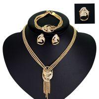 pulseiras casadas venda por atacado-Designer de luxo Conjunto de Jóias Mulheres Noiva Colar de Borla de Ouro Brincos Anel E Pulseira Com Strass Atacado