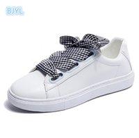 ingrosso scarpa di raso piatto bianco-BJYL 2018 Summer New Low Aid Flat Satin Band Art Street Shooting Little White Shoe Girl Butterfly Tie
