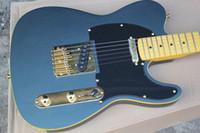 ligação da guitarra do bordo venda por atacado-Frete Grátis Fábrica Personalizado Fosco Azul Guitarra Elétrica com Preto Pickguard, Maple Fretboard, Amarração Amarela, Ouro Hardwarer, Oferta Personalizado