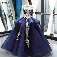 güzel sırsız elbiseler toptan satış-Kraliyet Mavi Muhteşem Gelinlik 2019 Yeni Varış Zarif Beyaz Baskı Gelinlik Seksi Backless Dantel Robe De Mariee YM20225
