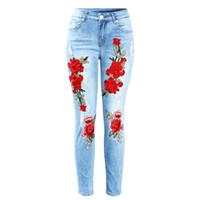 pantalones de spandex caliente más tamaño al por mayor-Hot Fashion New Plus Size Jeans rasgados elásticos con rasguños Media cintura Bordado Flores Vintage Mujer Pantalones de mezclilla Pantalones para mujeres Jeans