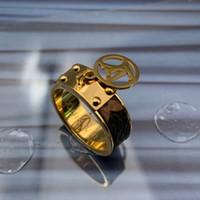 ingrosso fiori popolari-2019 Moda popolare europeo USA gioielli design del marchio in acciaio inox 14k oro argento rosa uomo donna fiore in pelle anelli di nozze anelli