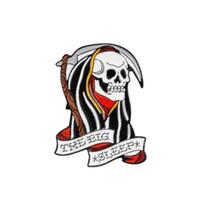 große schädeltaschen großhandel-Die großen Schlaf Mantel Schädel Skelett Pins Revers Pins Broschen Abzeichen Rucksack Tasche Hüte Zubehör für Männer Frauen Punk Pins