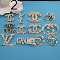 Wholesale women costumes china online - price Clear Crystals delicate jewelry classic Women Brooch Top Quality Party Costume Dress Broaches extravagant designer breastpin