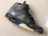 kutu v toptan satış-Yeni 5 V 5S düşük siyah gri Erkekler Basketbol Ayakkabı SARI spor ayakkabıları spor kutu İYİ KALİTE SIZE 7-13 ile açık eğitmenler