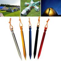 estacas de campamento al por mayor-7 colores Aleación de aluminio Carpa Clavo Estaca de uñas con cuerda Equipo de campamento Tienda de viaje al aire libre Edificio 18cm Clavo prismático MMA1878