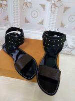Wholesale classic t strap shoes resale online - New European style luxury classic slipper women sandals fashion shoes vamp solid metal gold belt buckle comfort letter decoration