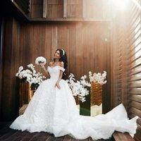 belle robe de mariée en tulle perlé achat en gros de-Robes de mariée 3D florales appliques robe de mariée 2020 Puffy Off épaule blanc perlé belle robe de mariée dentelle robes de mariée