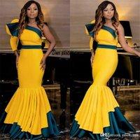 kleide zwei eine quinceanera großhandel-African Mermaid Prom Dresses Eine Schulter Rüschen Satin Zwei Farben Abendkleider Formale Frauen Tragen Falten Bodenlangen Heimkehr Kleider