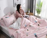 Wholesale black quilt king size for sale - Group buy Designer Luxury Bedding Sets Fashion King Queen Size Bedding Sets Bed Sheets Comforter Cover Luxury Bed Comforters Sets Warm Silk quilt