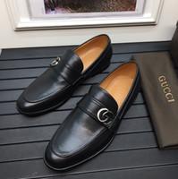 ingrosso decorazione di affari-Scarpe da uomo di design scarpe di lusso slip-on scarpe da lavoro di marca in vera pelle con decorazione 'G' in metallo argentato