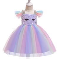 voló vestidos al por mayor-Venta al por menor diseñador de los niños vestido de las niñas lentejuelas arco iris volando mangas plisado pettiskirt vestido de princesa bebé niña traje cosplay boutique 50% de descuento