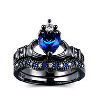 cadeaux en forme de couronne achat en gros de-Cadeau de fiançailles glamour fashion cadeau de galvanoplastie artisanat dames classiques tenant un anneau noir en forme de coeur de couronne de strass