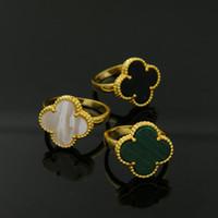 oro blanco de corea al por mayor-Classic Four Leaf Trébol Anillos para mujeres Amarillo Oro plata negro Blanco amor Anillo Flor Flora Joyería coreana Mujer