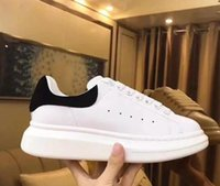 ingrosso calzature casual mens calde-Hot Sell Black Velvet delle donne degli uomini Scarpe con la zeppa scarpe da tennis casuali caldi di vendita scarpe di cuoio solido di trasporto